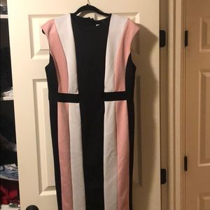 Scuba dress with cap sleeves. Worn 1x.